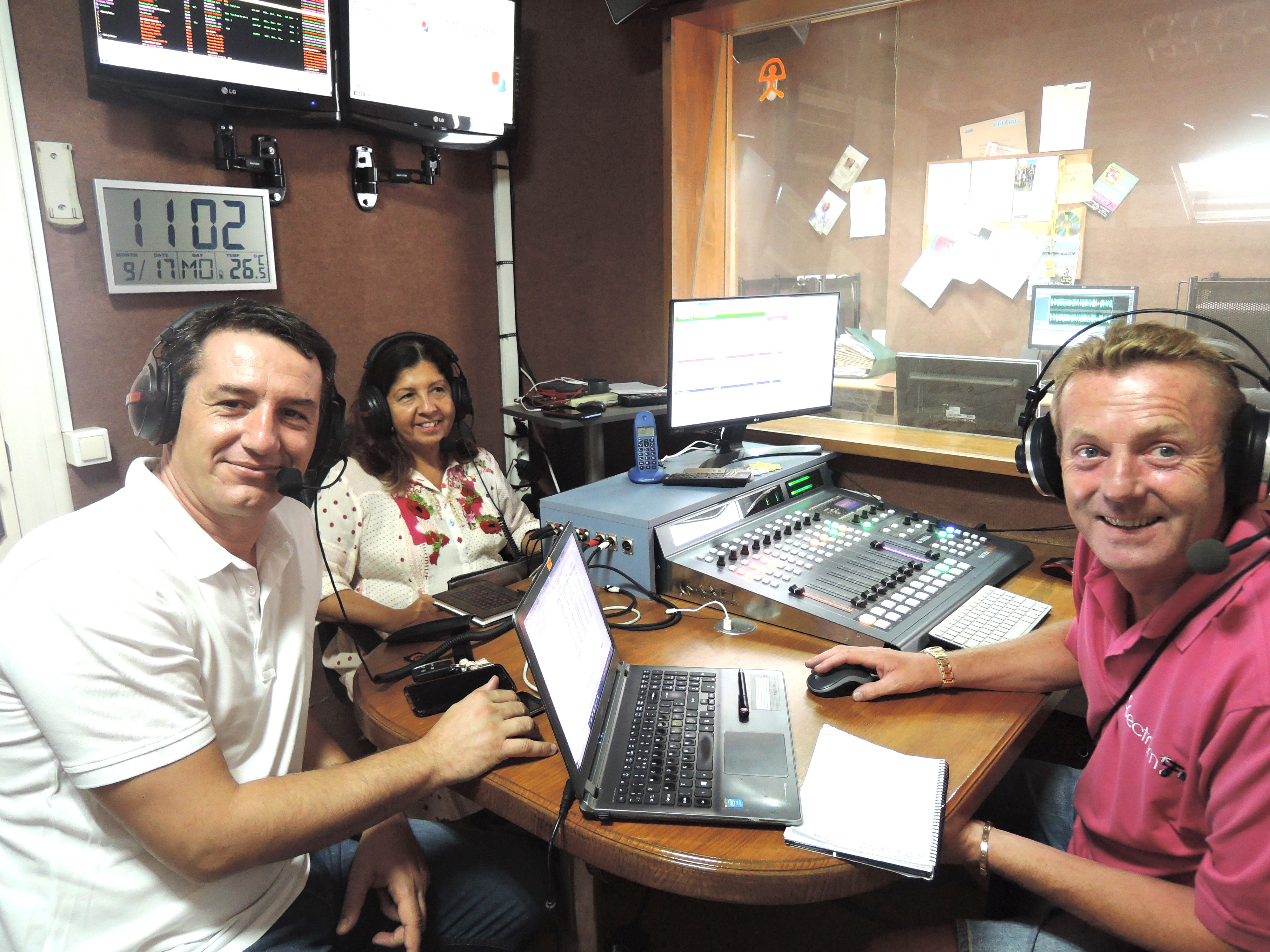 Mojácar Mayor, Rosmari Cano and the Tourism Councillor, Emmanuel Agüero, appeared once again on Spectrum Radio, as part of their ongoing efforts to keep the English speaking residents of the town informed on local matters.
